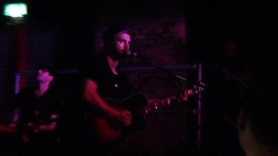 """Выступление Майкла в баре """"Sound Control"""" в Манчестере [11 июня]"""