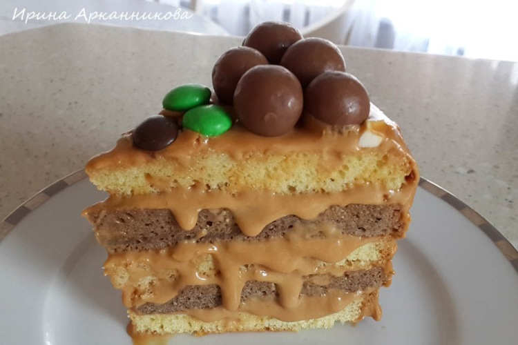 Крем с вареной сгущенкой для вафельного торта